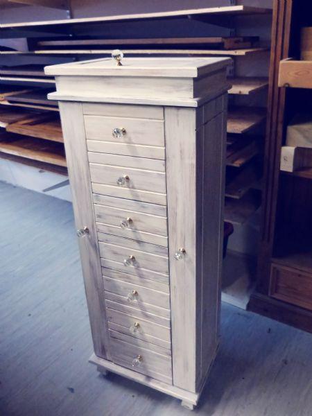 bellamont jewellery cabinet (1)