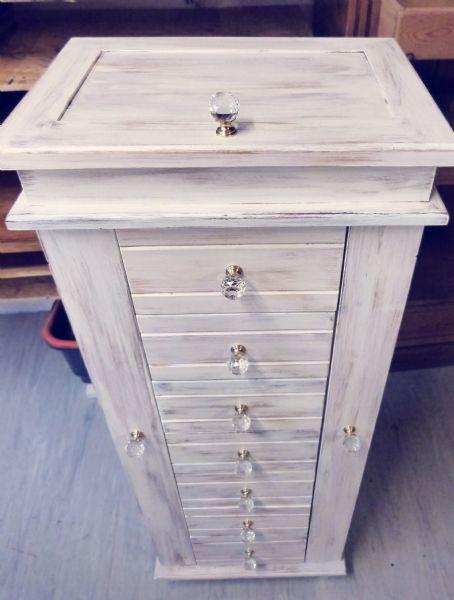 Bellamont Jewellery Cabinet