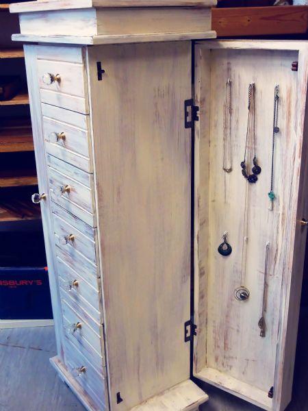 bellamont jewellery cabinet (4)