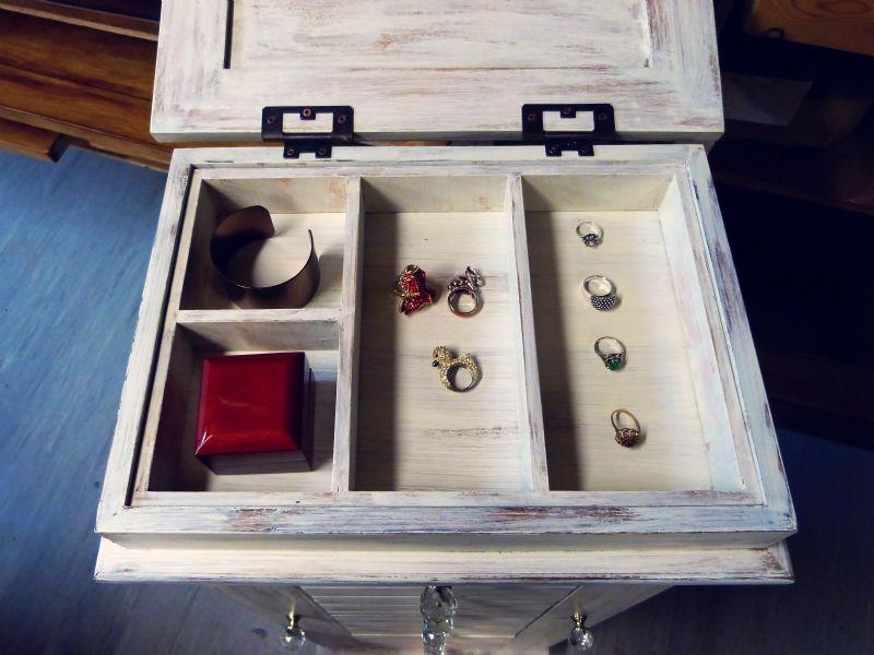 bellamont jewellery cabinet (6)