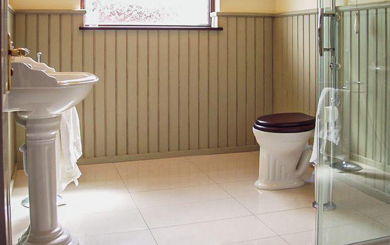 eyrecourt bathroom (1)