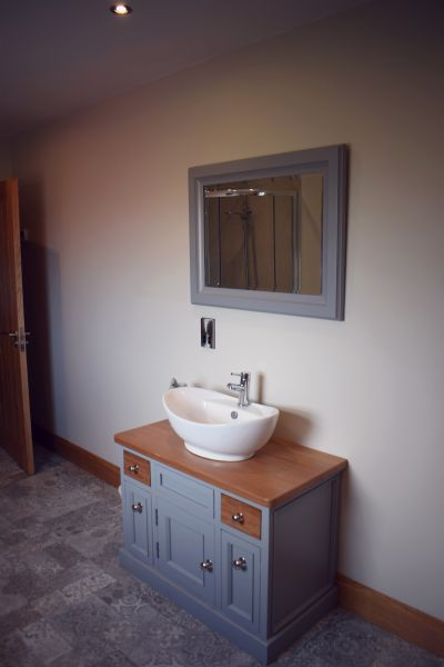 june  walter vanity unit (2)